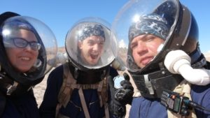 crew-167b_astronauts-can-take-selfies-too